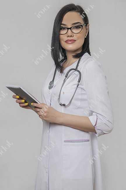 Элегантный медицинский халат