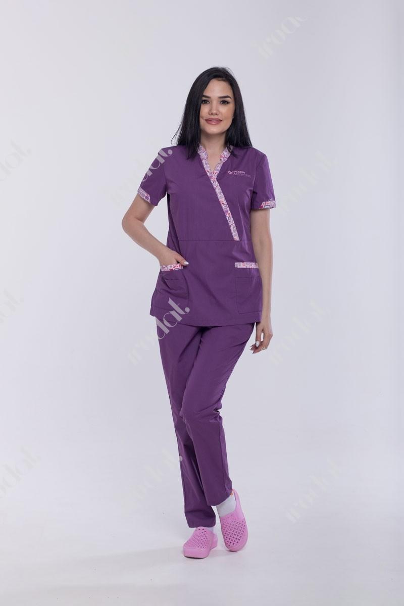 Стильний медицинский костюм женский