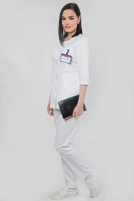 Женская медицинская униформа