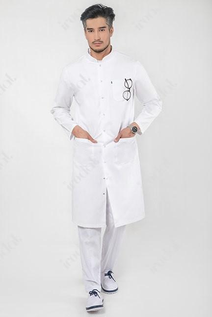 Мужской медицинский халат в стиле модерн